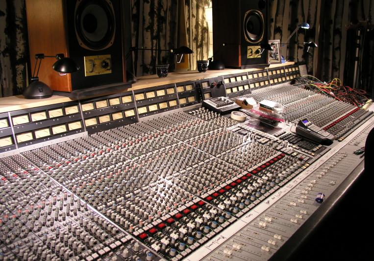 Tranzformer Studios on SoundBetter