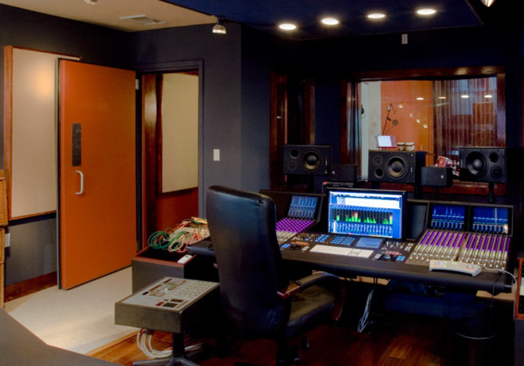 Sweatshop Studios on SoundBetter
