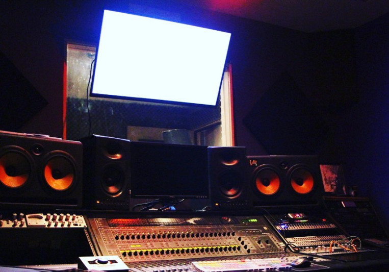 Chuck Mo on SoundBetter