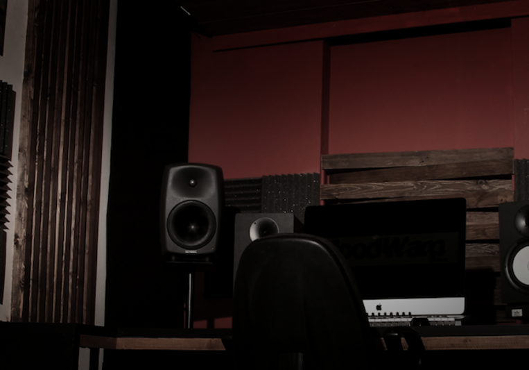 MoodWarp Studio on SoundBetter