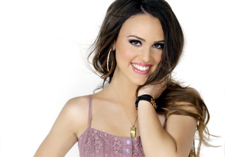 Dani Beck- Female singer on SoundBetter