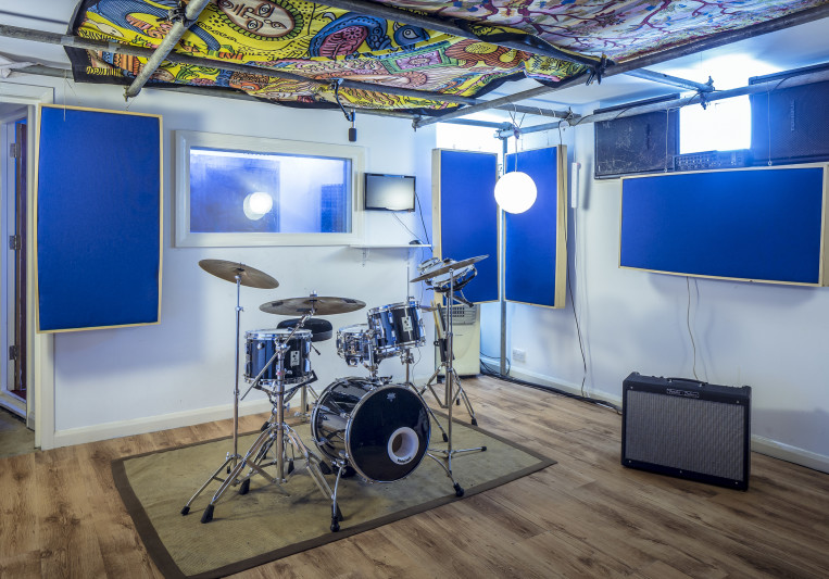Paddock Studio on SoundBetter