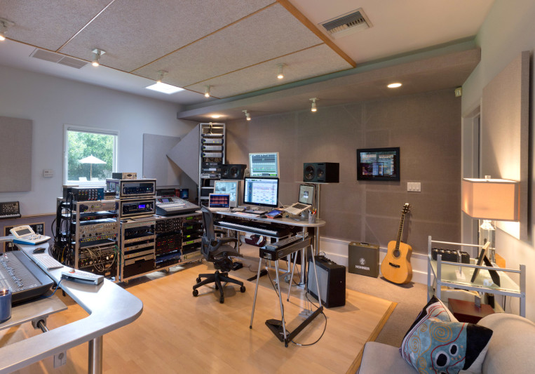 Scott Frankfurt Studio on SoundBetter