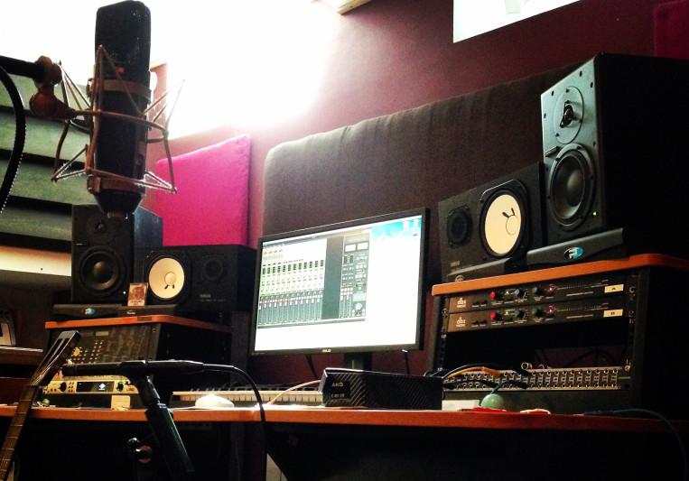 Studio LITTLE on SoundBetter