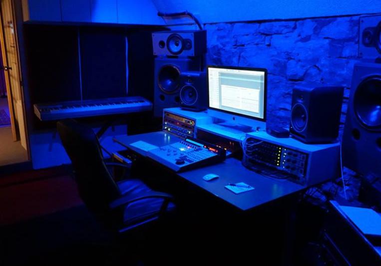 MVee (Michel Villeneuve) on SoundBetter