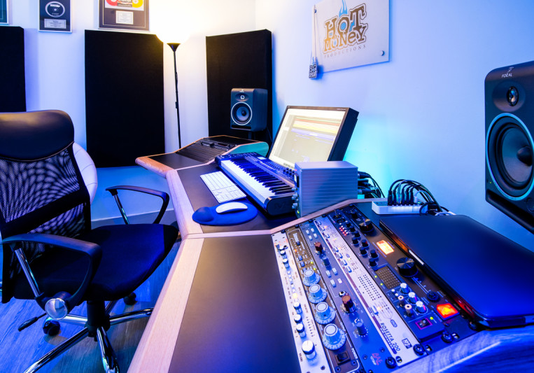 Hot Money Studios on SoundBetter
