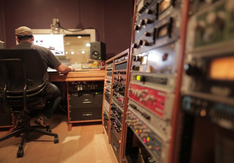 Andy Zenczak [Gadgetbox] on SoundBetter