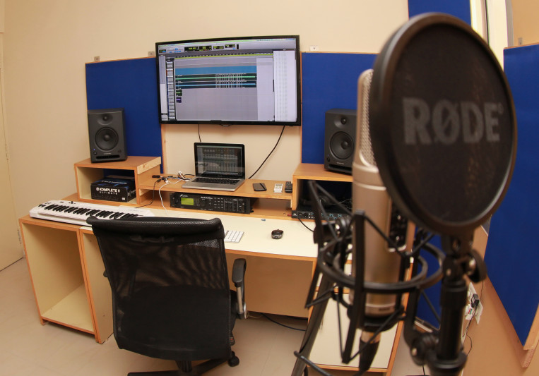 Eleven Gauge Recordings on SoundBetter