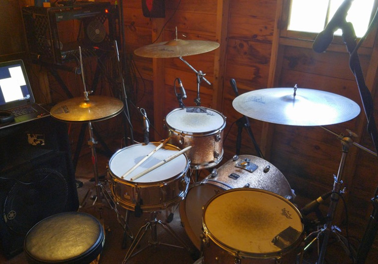 Undertail Records on SoundBetter