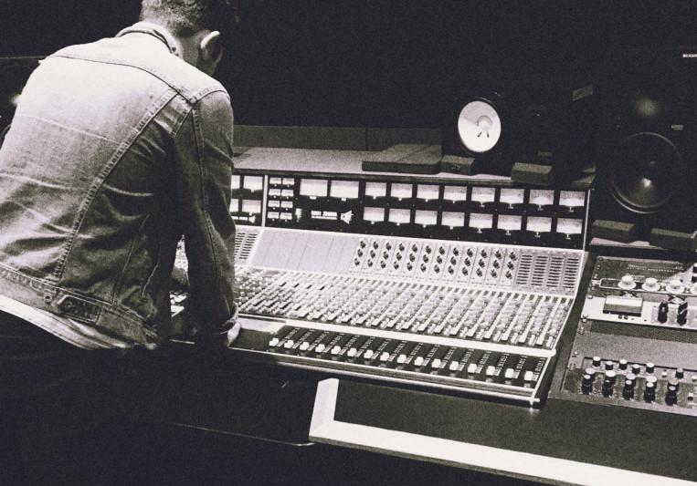Joshua Martinus on SoundBetter