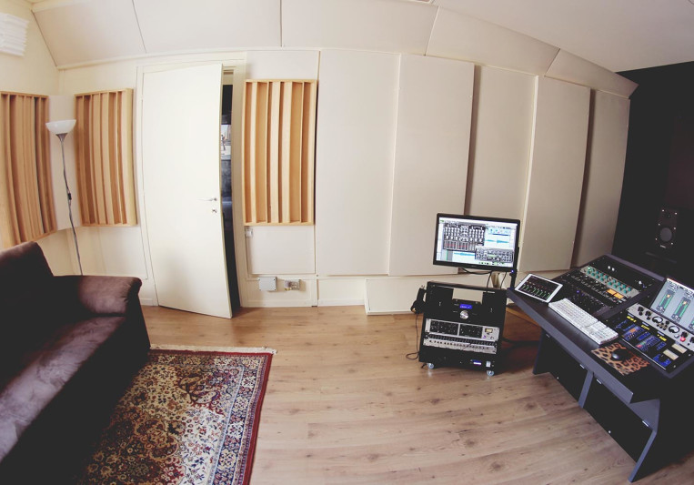Woodpecker Mastering Studio on SoundBetter