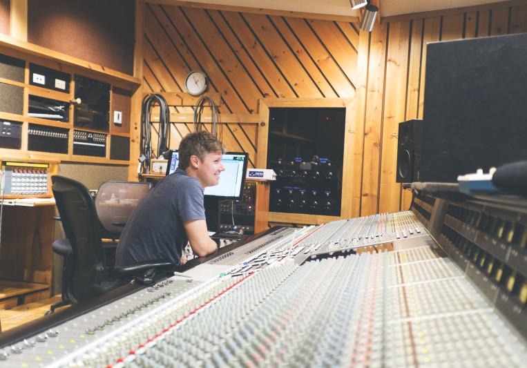 Jason Agel on SoundBetter