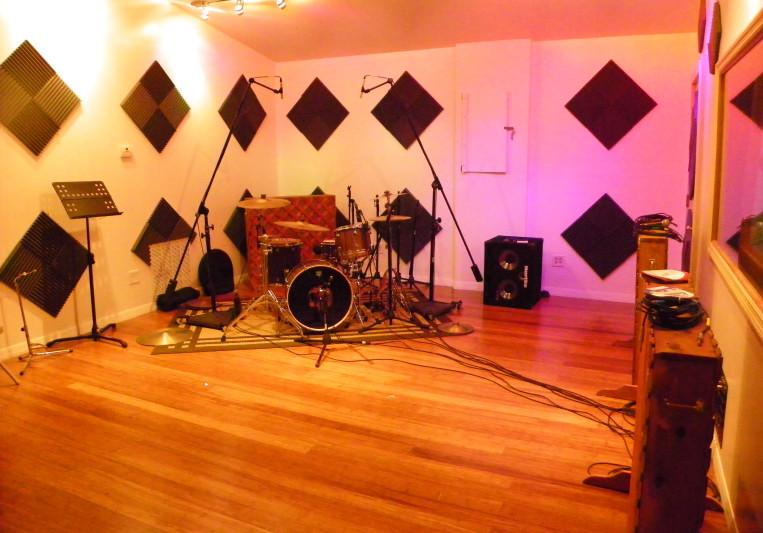 Soundwave Studios on SoundBetter