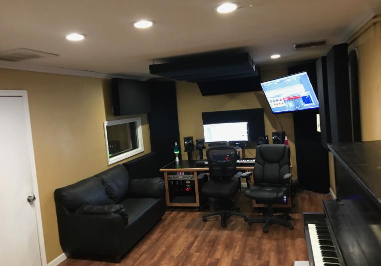 No. 14 Studios on SoundBetter