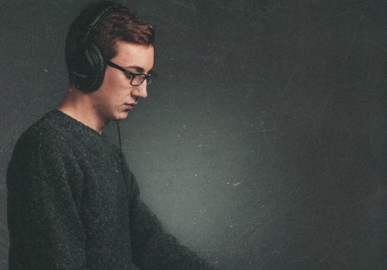 Mitchell Schneider on SoundBetter