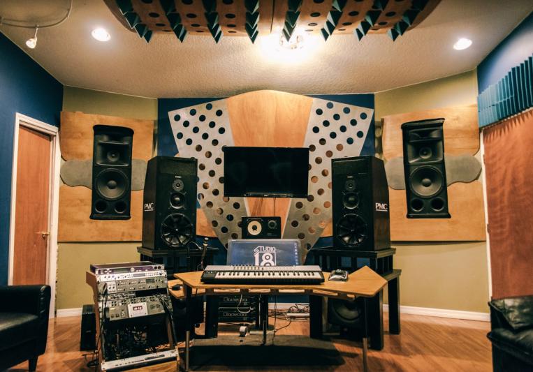 Studio 18 on SoundBetter