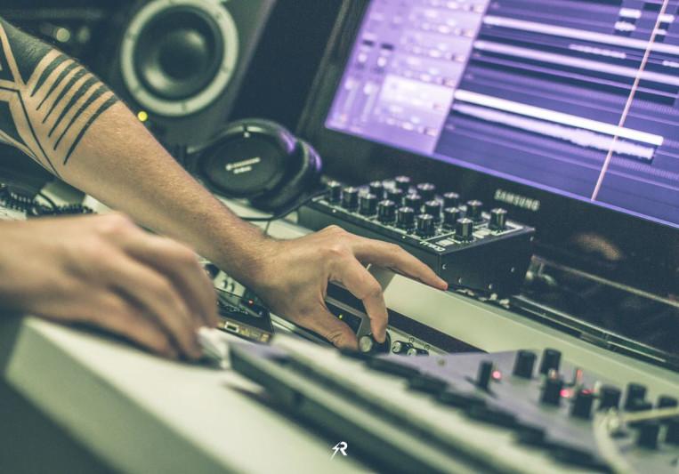 FABRIEK on SoundBetter