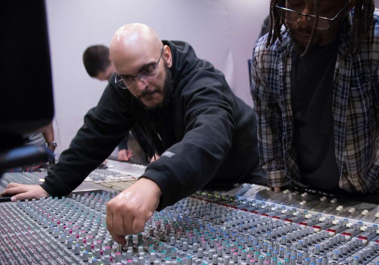 Mike Peña on SoundBetter