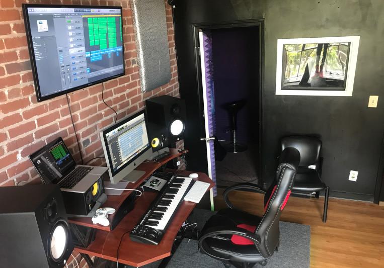 COOLBOY Studios on SoundBetter