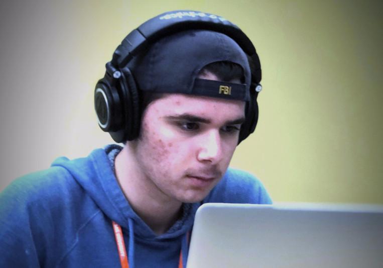 Paul Brown (Dronix) on SoundBetter