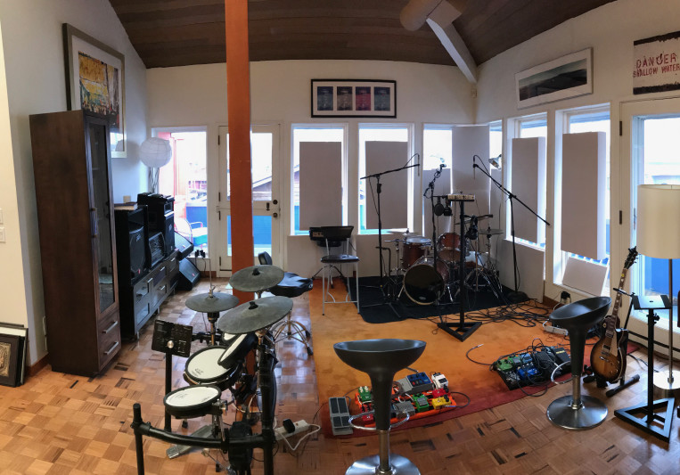 Seattle Houseboat Studio on SoundBetter