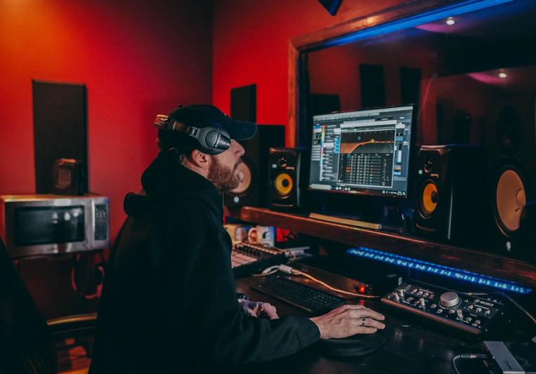 Jesse Wieschollek on SoundBetter