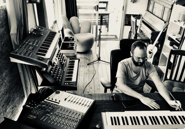 Simon Dobson on SoundBetter
