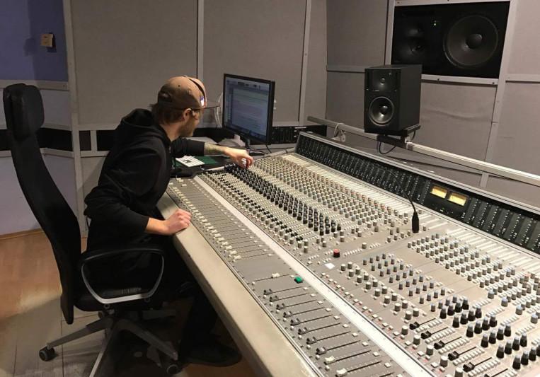 Erik Jonsson on SoundBetter