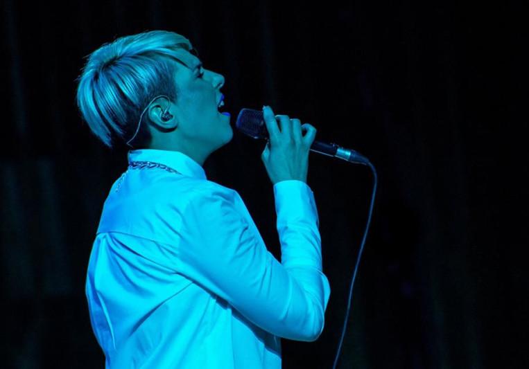 Female Singer. on SoundBetter