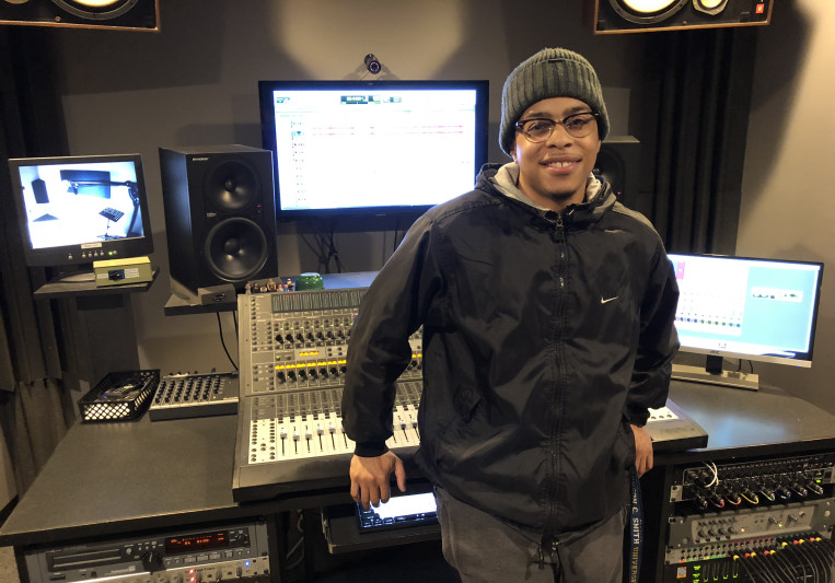 "Clarence ""DJ Carl"" Mays on SoundBetter"
