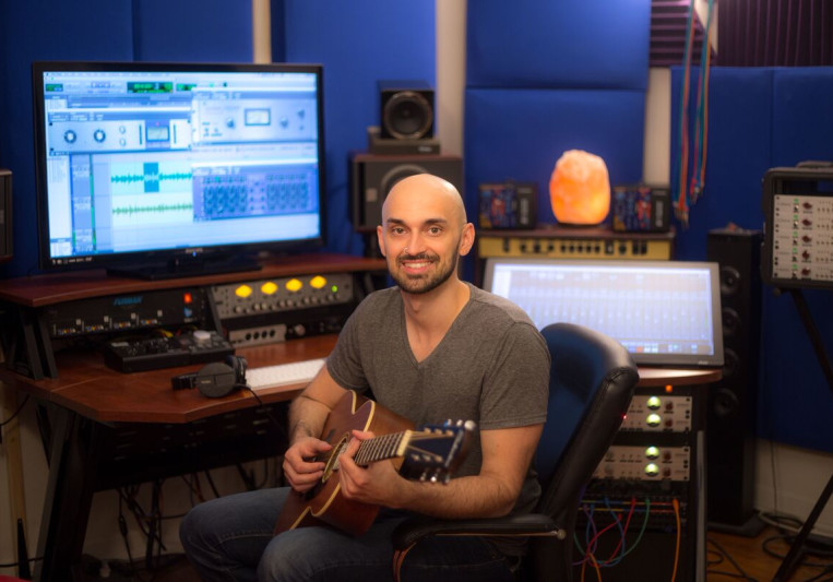 Noel Molenda on SoundBetter