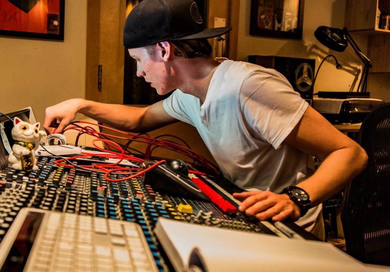 Alex Almquist on SoundBetter