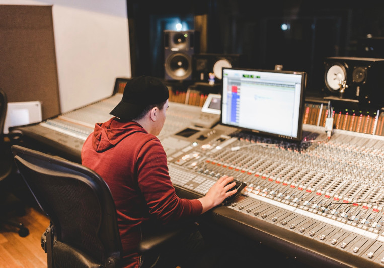 Mando Mixes on SoundBetter