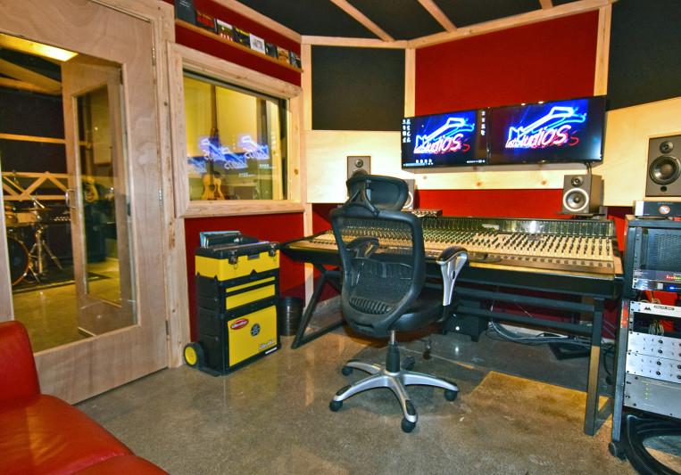 Tom Van Riper, Lost Studios on SoundBetter