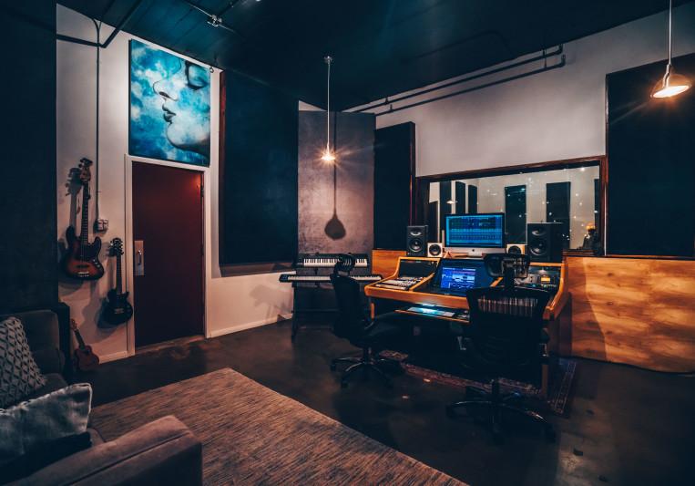 Neon Sound - Day Block Rentals on SoundBetter