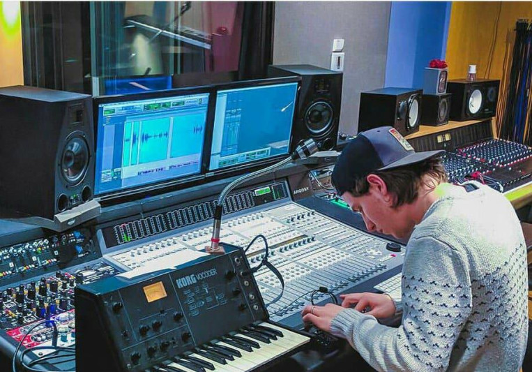 Regan Luth on SoundBetter
