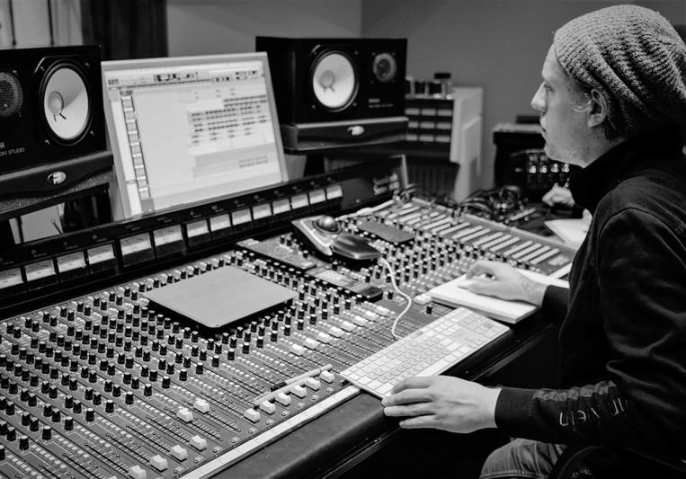 Aaron Hogan on SoundBetter