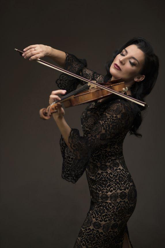 Andrijana Janevska - Singer, Songwriter, Violinist - Skopje