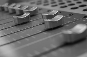 Mixing_console-300x199