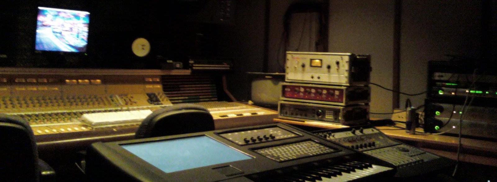 Studio_c_with_miko