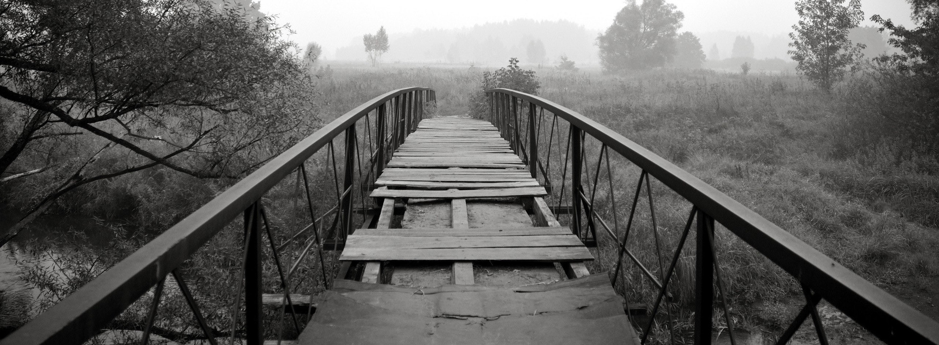 Abandoned-bridge-photography-hd-wallpaper-1920x1200-3783