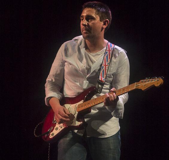 Gareth-jenkins-playing-fender-stratocaster