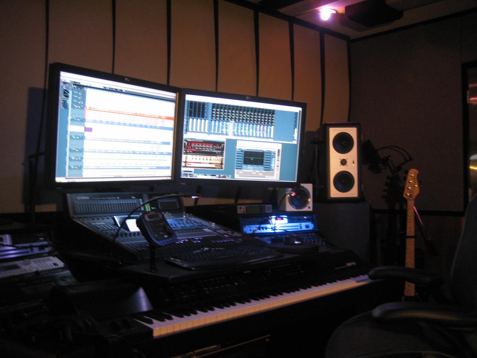 Studio-side-inlight