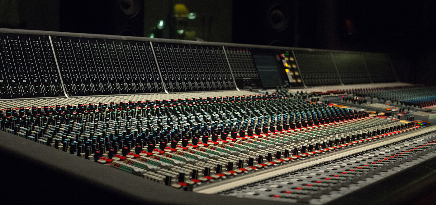 Neve-88rs-console-side-view-hq