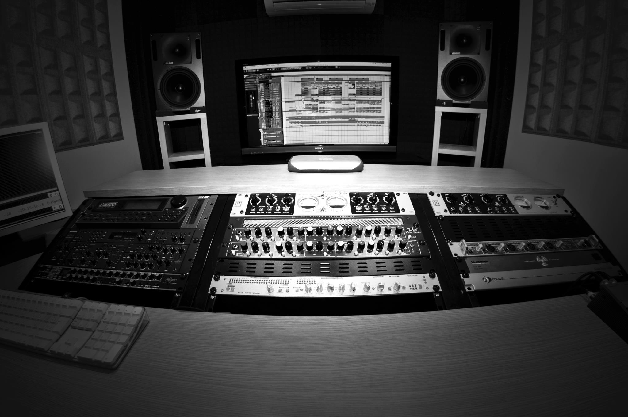 Studio_senia_black