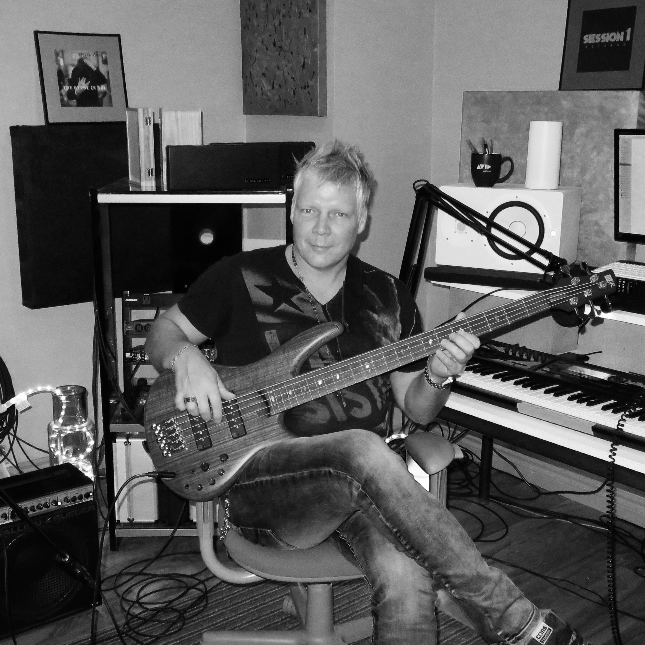 Steven_dueck_record_producer_session_bassist