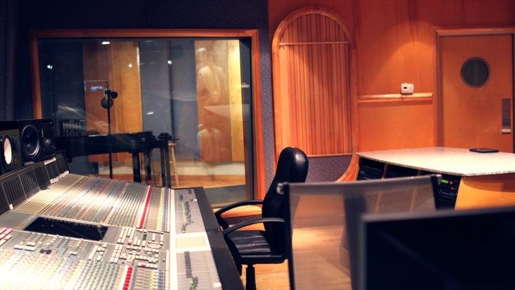 Studio__9