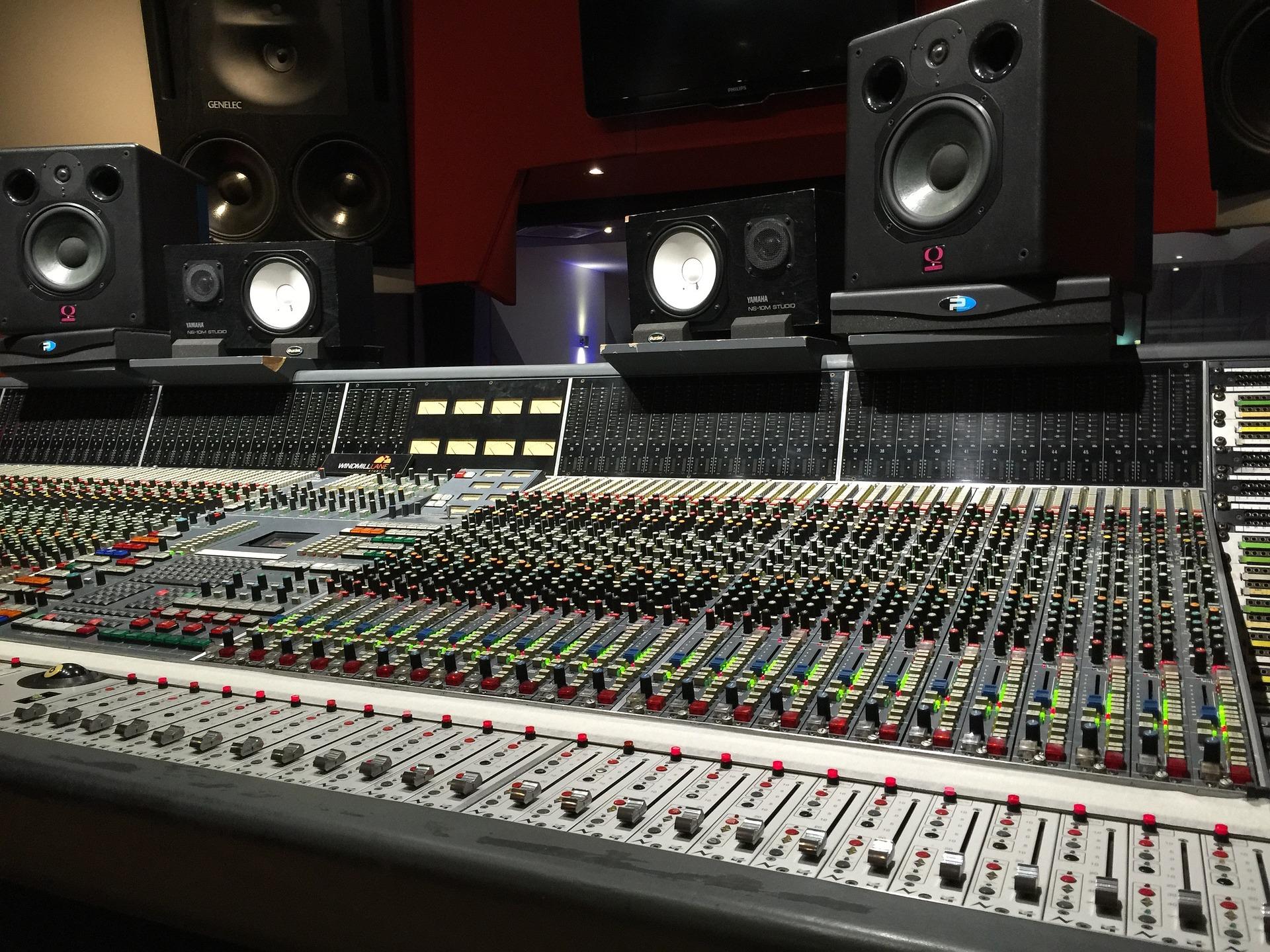Studio-2224493_1920
