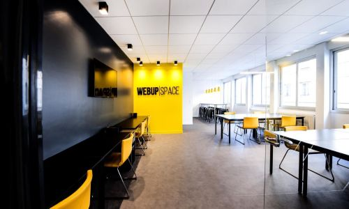 Meeting room close by main transport station