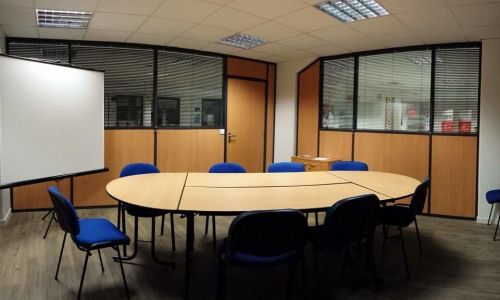 Sala de reunión hasta 10 pers